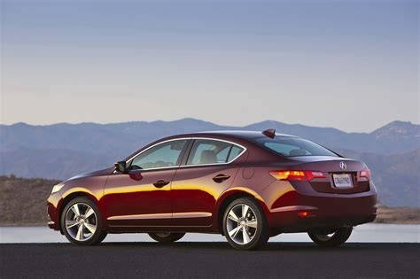 new 2013 acura ilx sedan and details