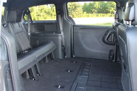 Suvs With Stow And Go Seats by Stow Away Seats Minivan Brokeasshome