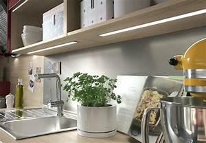 Beleuchtung Für Küchenoberschränke : k chenbeleuchtung und k chenlampen tipps von obi ~ Michelbontemps.com Haus und Dekorationen