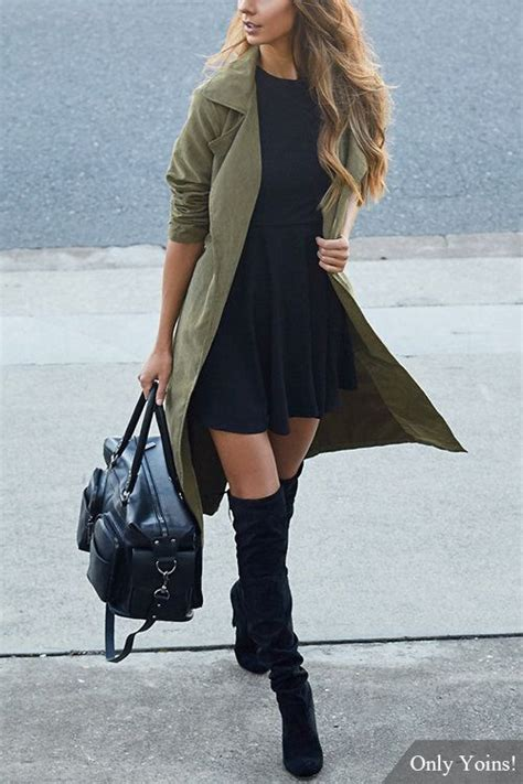 trench coat outfits women  ways  wear trench coats