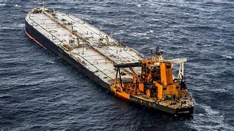 Sri Lanka: Salvage team struggles to plug supertanker fuel ...
