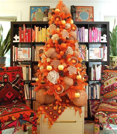 adorable diy scarecrow ornaments   fall orange