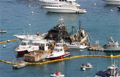 Boat Salvage Ky by Paying For Salvage Wreck Removal And Towing Towing