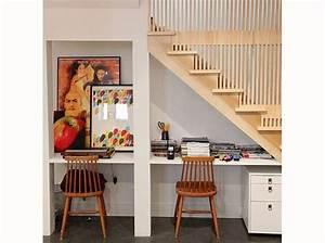 Bureau Sous Escalier : 16 id es d co pour ne pas perdre d 39 espace sous l 39 escalier ~ Farleysfitness.com Idées de Décoration