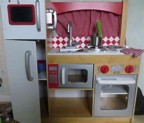 fabriquer cuisine en bois jouet fabriquer cuisine pour fille trendy des activits