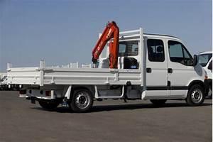 Camion Plateau Location : location camion benne avec grue ~ Medecine-chirurgie-esthetiques.com Avis de Voitures