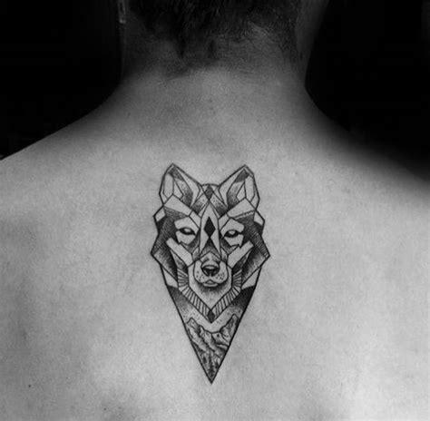 tatouage cou homme 1001 id 233 es tatouage nuque marqu 233 jusqu au cou