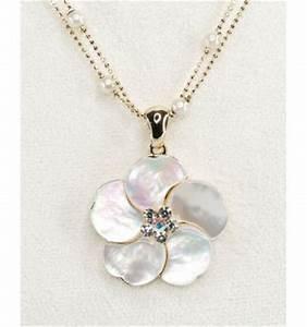 parure de bijoux fleur nacre blanche noire ou brune With bijoux en nacre