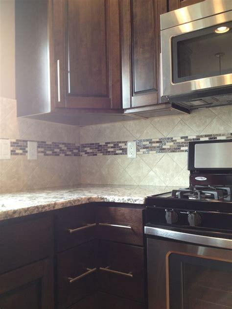 kitchen backsplash  accent strip design  dennis