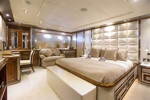 Yacht De Luxe Interieur : palmer johnson 130 ibiza luxury charter am charter ~ Dallasstarsshop.com Idées de Décoration