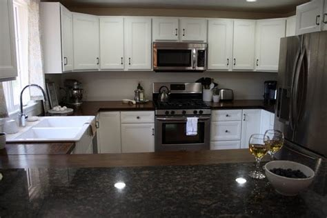 redo kitchen cabinets best 25 counters ideas on kitchen 1791