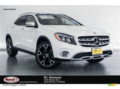 Bucking the industry trend, the gla crossover was outsold by its cla sedan sibling in 2016, albeit by only a few hundred units. 2018 Mercedes-Benz GLA 250 4Matic in Polar White - 529333 | Auto Jäger - German Cars for sale in ...