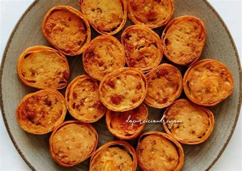 Di video ini saya mau share 3 resep olahan kornet yang enak dan praktis. Resep Rolade Tahu Kornet oleh Cici Andriyani   dapurciciandriyani - Cookpad
