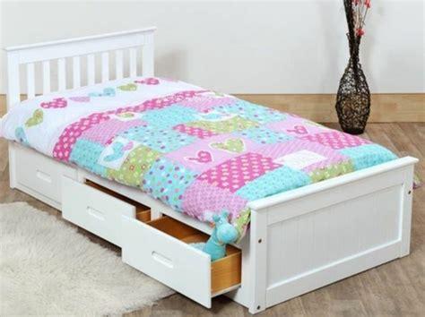 chambre avec rangement où trouver votre lit avec tiroir de rangement archzine fr