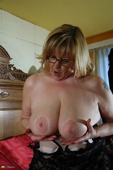 Plump Blonde Mature Pleasure Her Puffy Hole Photos Romana