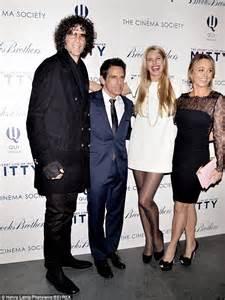 patton oswalt height feet kristen wiig wears massive bowtie at moma screening of the