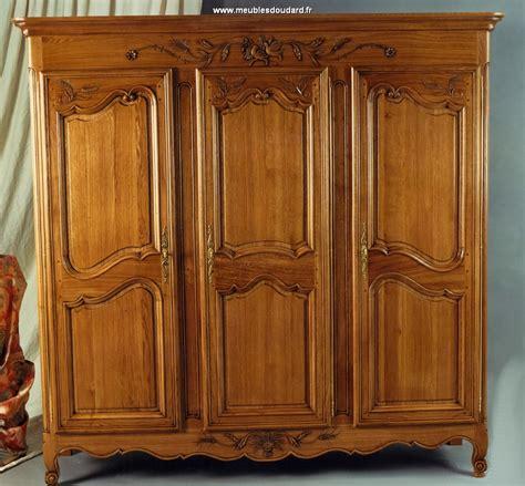 armoire chambre bois massif cuisine armoire en bois chaios armoires bois blanc
