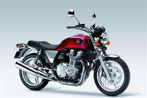 Retro Motorräder von Moto Guzzi, Triumph, Honda, Kawasaki
