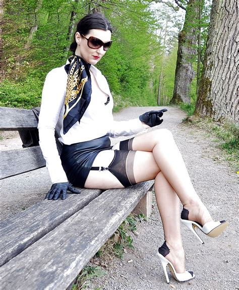 Best Images About Seams In Public On Pinterest Image Fb Sexy Hot And Nylons Heels