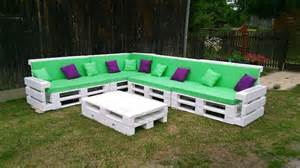Make A Bench Out Of Pallets by Pallet Couch 101 Pallets