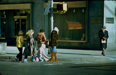 york 1978 naked daylight flashbak 1970s street everyday labels building