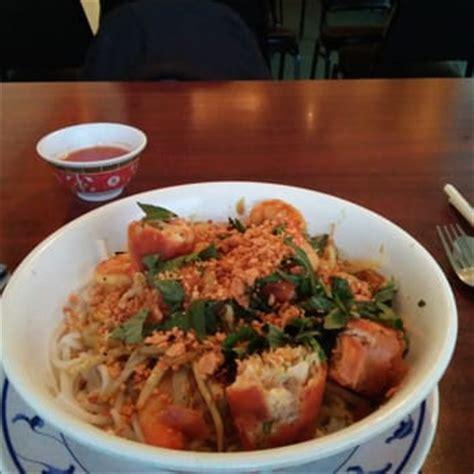 cuisine du cambodge cuisine du cambodge closed 150 photos 164 reviews cambodian 13124 lorain ave