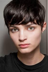 Coiffure Cheveux Court : coupe courte avec frange automne hiver 2018 les plus ~ Melissatoandfro.com Idées de Décoration