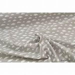 Tissu 100 Coton : tissu coton imprim de nuages blancs sur fond gris ~ Teatrodelosmanantiales.com Idées de Décoration