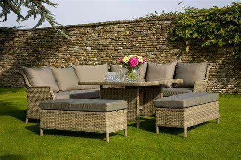 Garden Furniture by Garden Furniture