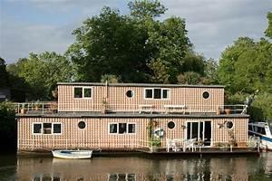Wohnen Auf Dem Wasser : hausboot architektur naturverbunden wohnen auf dem wasser ~ Buech-reservation.com Haus und Dekorationen