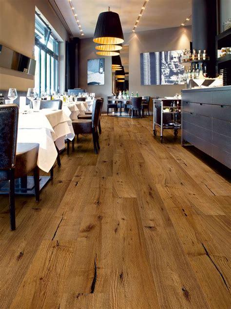 15 Ideen Fuer Rustikalen Ziegel Und Holzboden by Planeo Wood Flooring Parquett Interieur Design