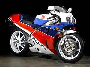 Honda Rc 30 : motorfest displays motorcycle gems motorbike writer ~ Melissatoandfro.com Idées de Décoration