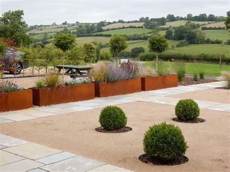 paul richards garden design parkfield s stable garden design derbyshire landscaping derbyshire