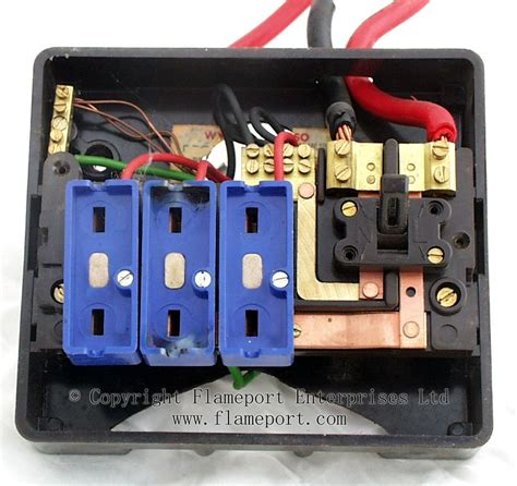 Electrical Fuse Box Regulation by Wylex Standard Brown Plastic Fuseboxes