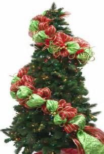 how to make a mesh netting garland trendy tree blog holiday decor inspiration wreath