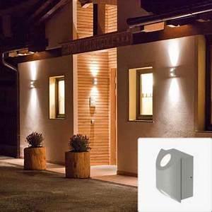 Up And Down Lights : outdoor up down wall light warisan lighting ~ Whattoseeinmadrid.com Haus und Dekorationen
