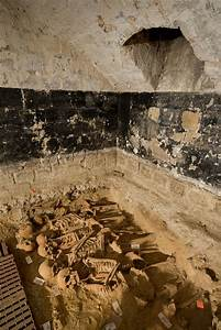 The History Blog » Blog Archive » 200 bodies found in mass ...