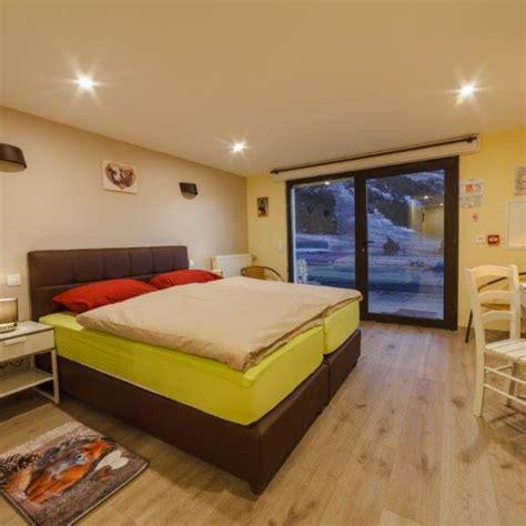 hotel chambre 4 personnes chambre pmr de 1 à 4 personnes alpina aquarelax hotel