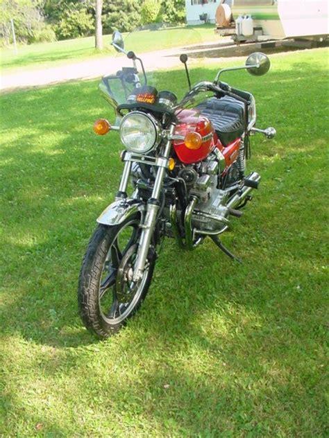 1982 Suzuki Gs750t by 1982 Suzuki Gs750t Classic Motorcycle Pictures