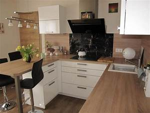 Kleine Küche Mit Insel : kleine k che zum wohlf hlen fertiggestellte k chen bauformat cube 130 fertiggestellte ~ Sanjose-hotels-ca.com Haus und Dekorationen