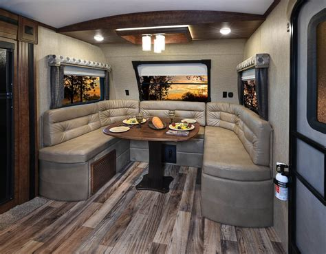 """Keystone Rv On Twitter """"outback Front Windshield Front"""
