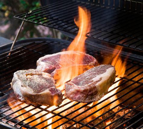 cuisiner au barbecue viande barbecue quelles viandes cuisiner au barbecue