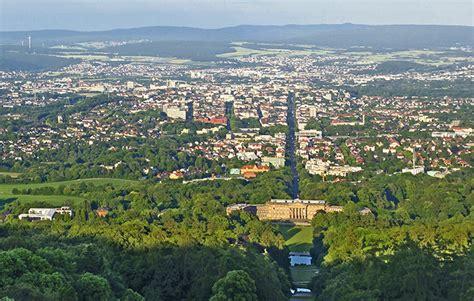 Studiere an einer jungen uni. Risiko-Rendite-Ranking: Kassel in den Top 10 (Focus ...
