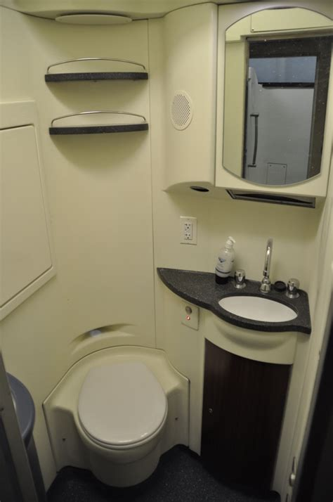 Do All Amtrak Trains Bathrooms by Coach Vs Roomette Page 2 Amtrak Rail Discussion
