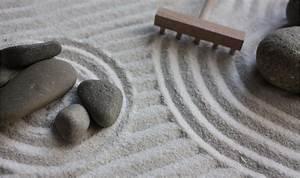 decoration jardin zen miniature With decoration jardin avec galets 10 jardin zen interieur avec statue bouddha porte encens
