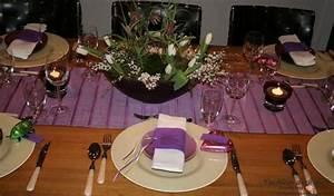 Raffinierte Vorspeisen Für Ein Perfektes Dinner : tischdekoration f r ein perfektes dinner in lila tischlein deck dich ~ Buech-reservation.com Haus und Dekorationen