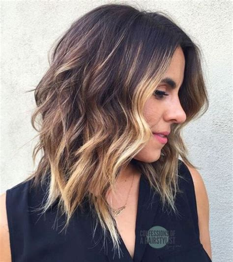 Mid To Hairstyles by 60 And Flattering Medium Hairstyles For