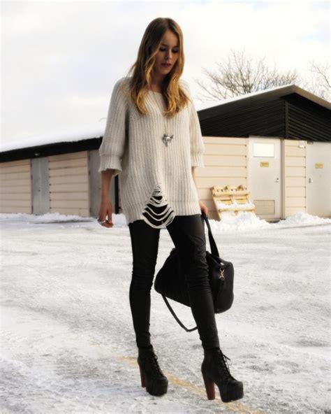 How To Wear Heeled Platform Boots 2018 | FashionGum.com
