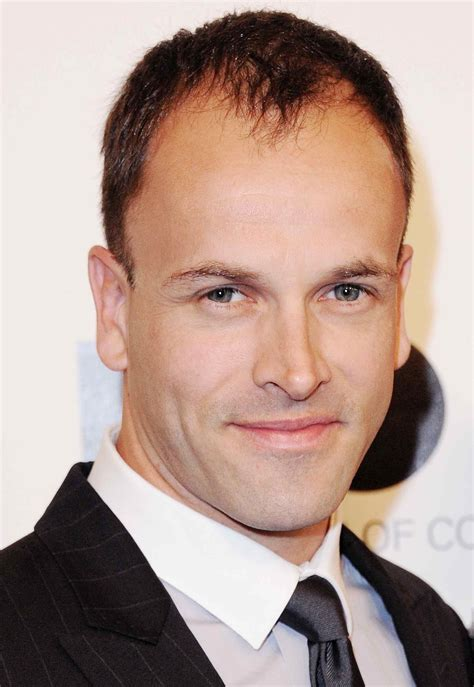 Jonny Lee Miller To Play Sherlock Holmes In Cbs Pilot