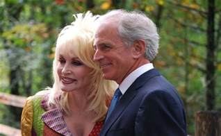 floyd park wedding dolly parton renews marriage vows on may 30th guardian liberty voice
